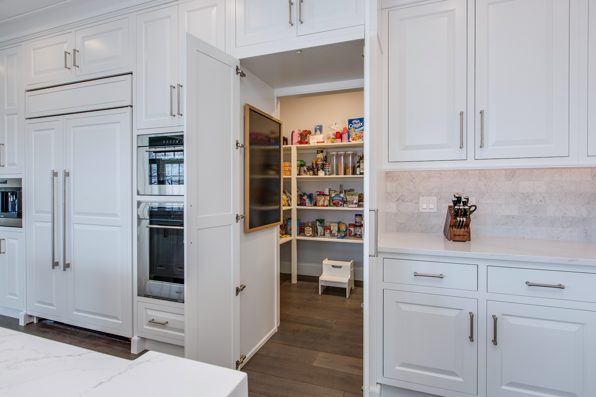 Painted Kitchen Cabinets in White by Showplace Cabinetry - View 9