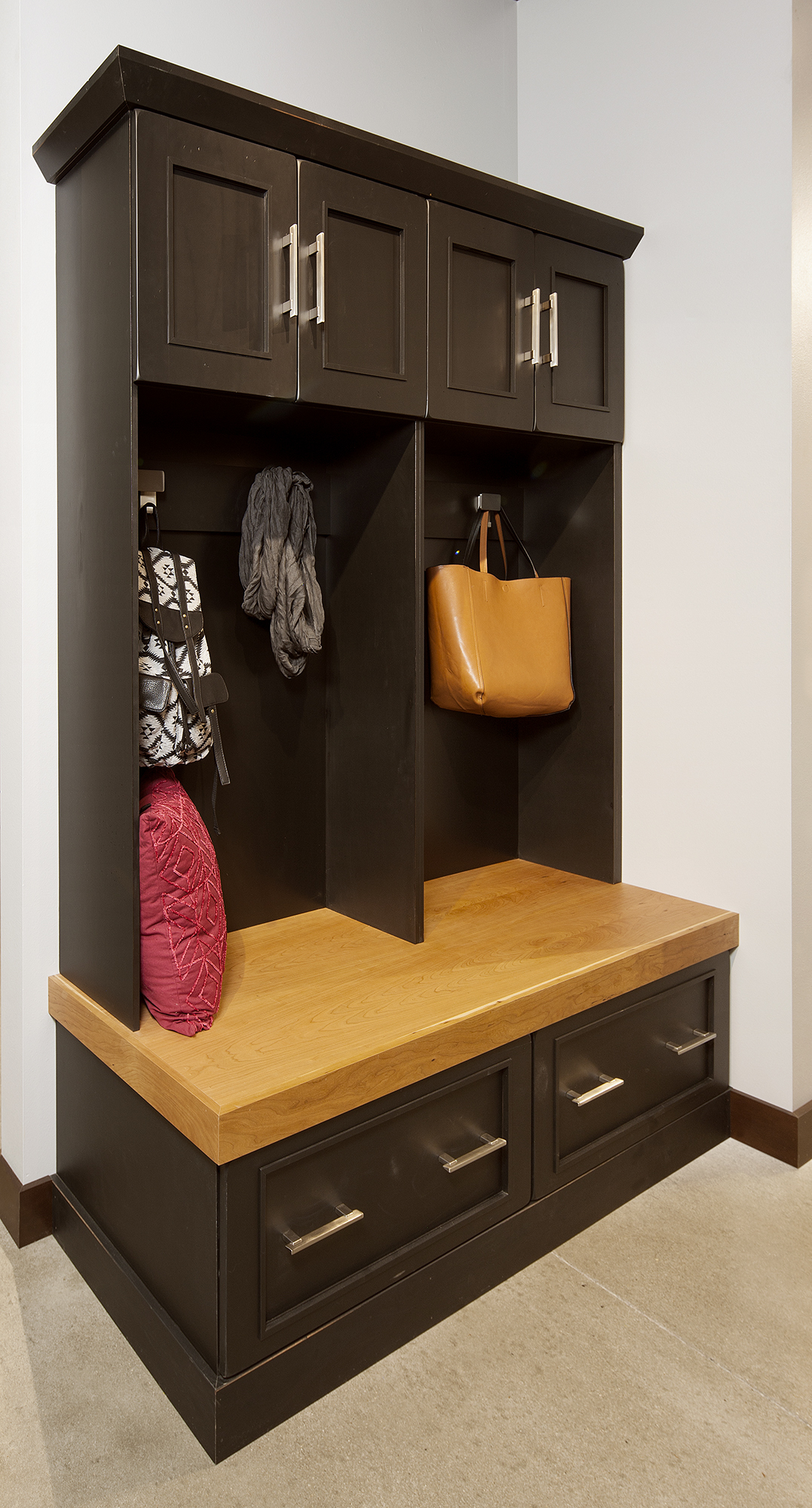 Stained locker cabinets in Charcoal Natural by ShowplaceEVO - view 1