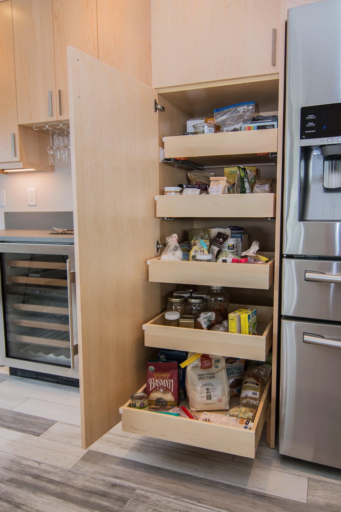 Kitchen Cabinets in Natural Maple by ShowplaceEVO - view 10