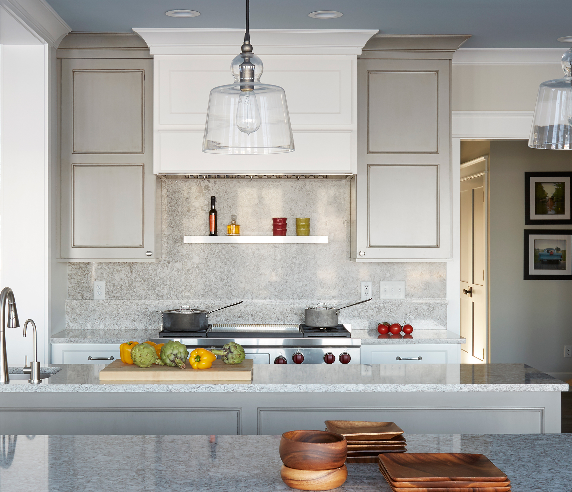 Swell Transitional Beauty Showplaceevo Showplace Cabinetry Home Interior And Landscaping Ologienasavecom
