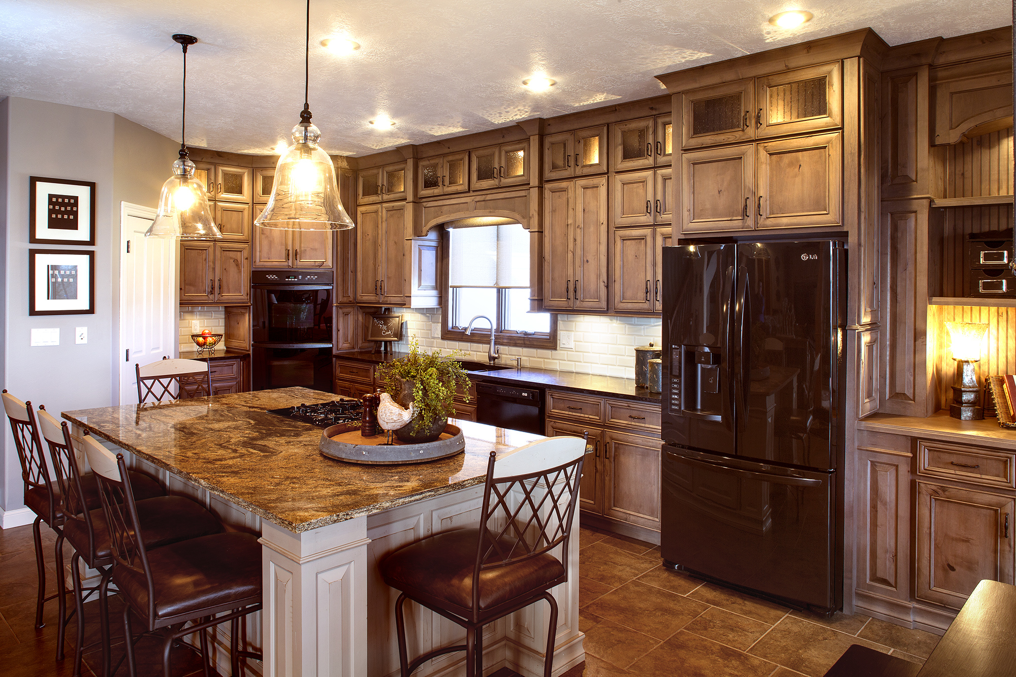 View this spacious refaced kitchen | Showplace Cabinetry