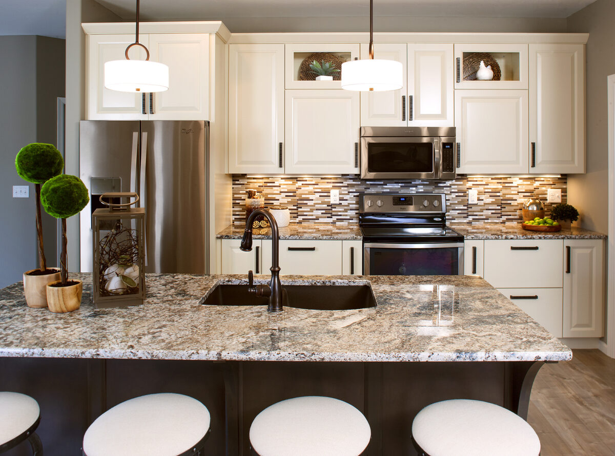 Kitchen Cabinets Or Bathroom Vanities Showplace Cabinetry