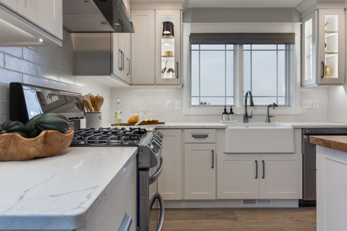 Farmhouse Chic Showplace Cabinetry
