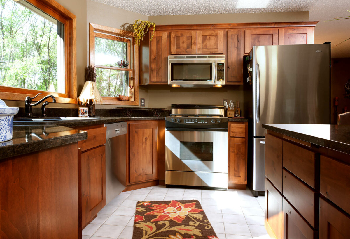 View this market-ready refaced kitchen | Showplace Cabinetry