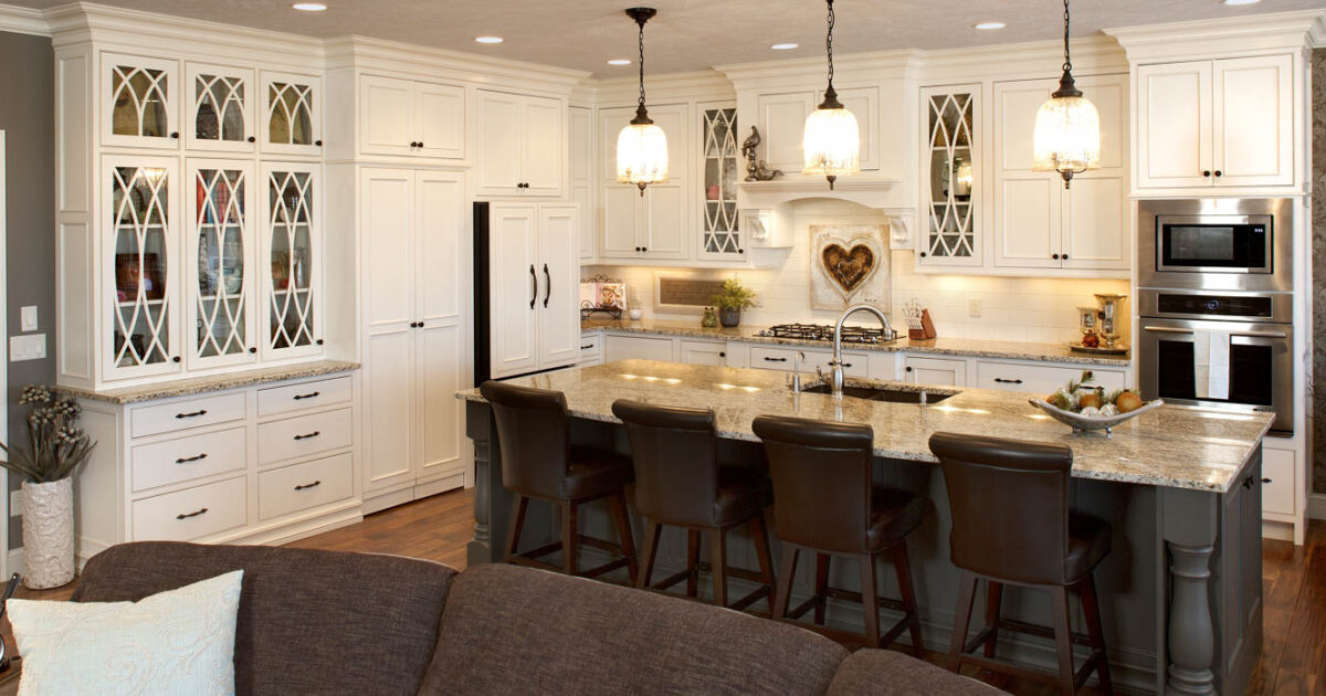 Painted Kitchen Cabinets In Soft Cream And Oatmeal Glaze By Showplace  Cabinetry   Feature
