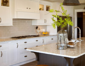 Painted kitchen cabinets in White by Showplace Cabinetry - view 3