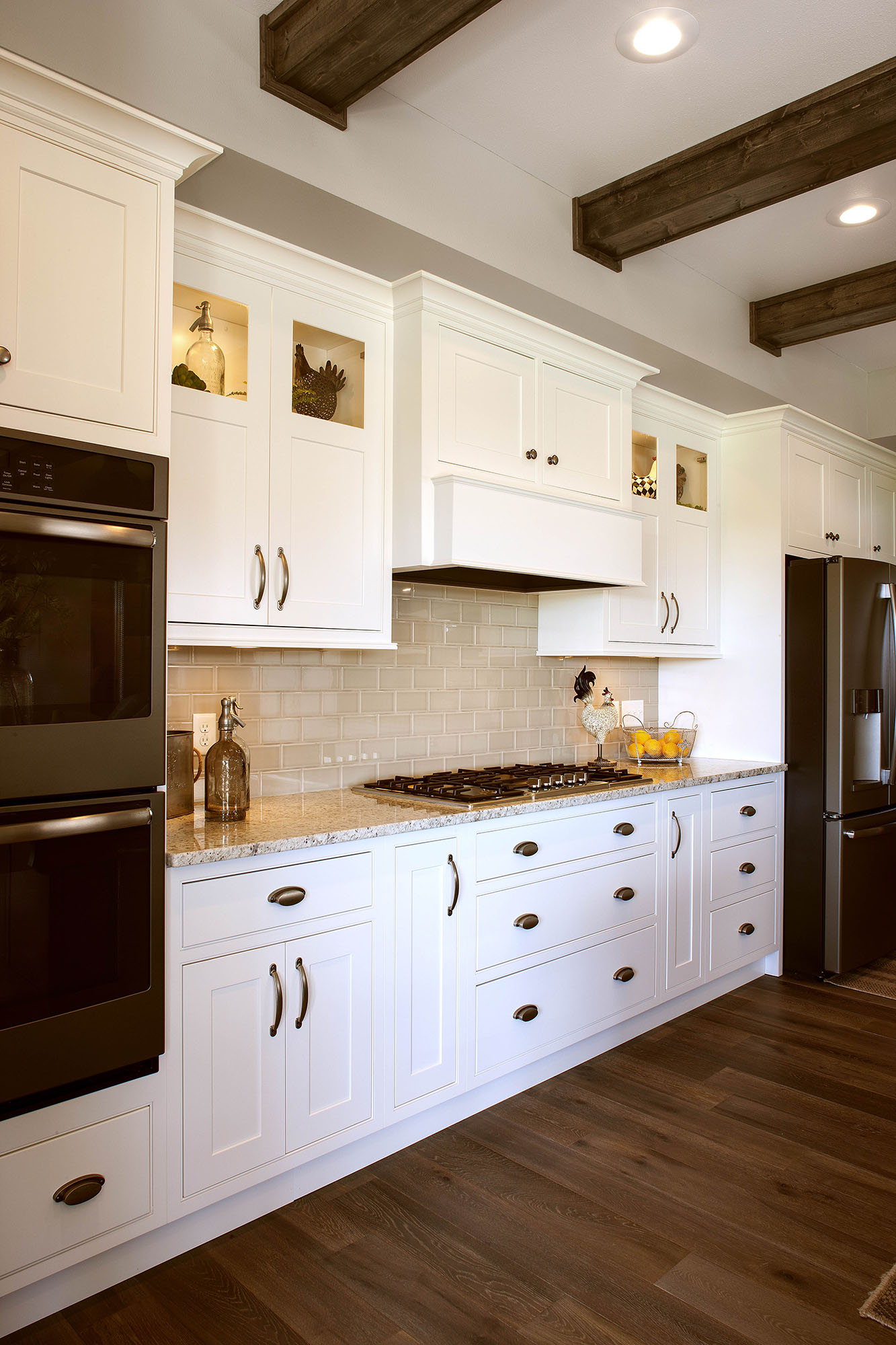 Painted Kitchen Cabinets In White By Showplace Cabinetry   View 4