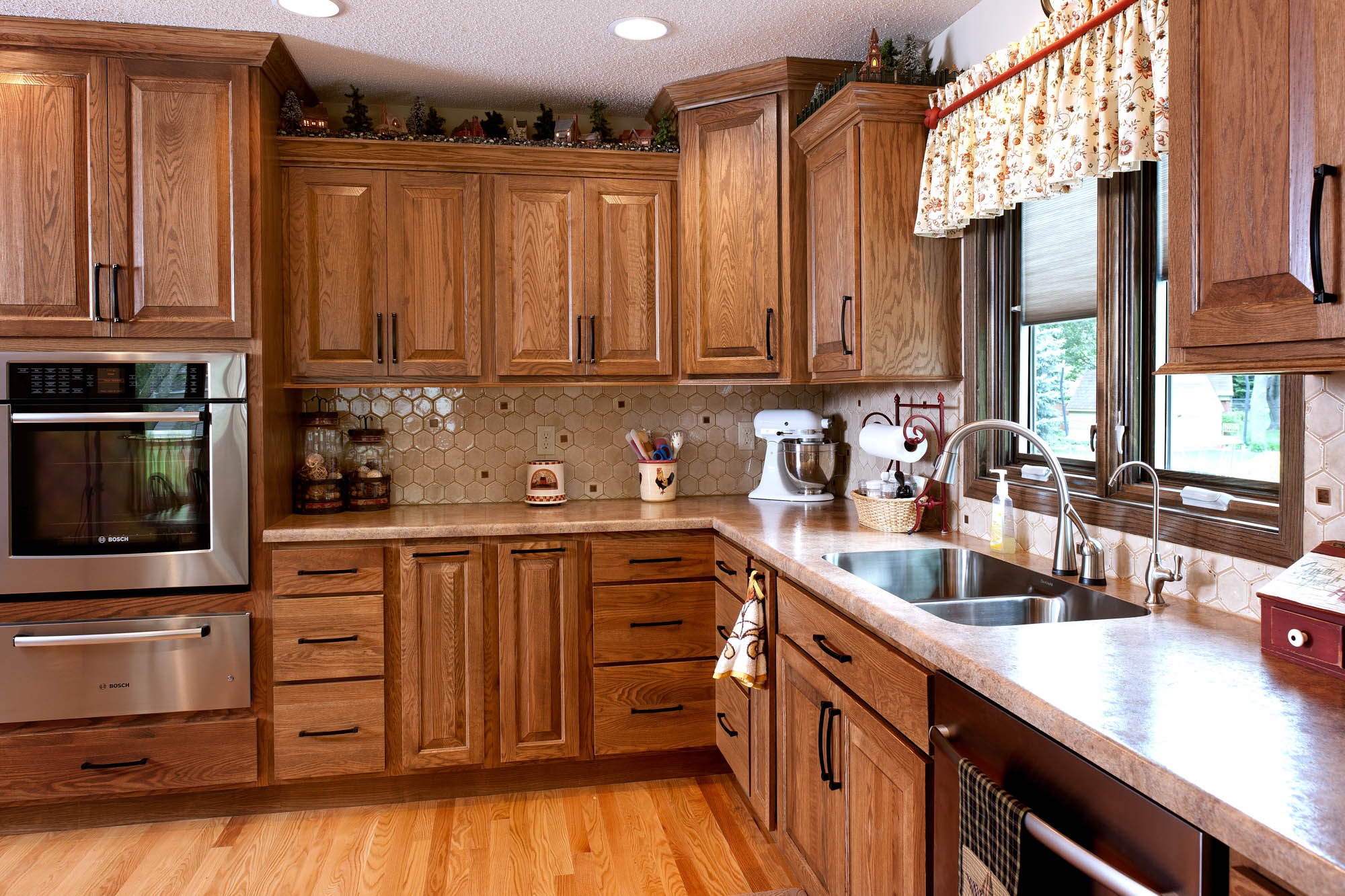 Stained Kitchen Cabinets In Cognac By Showplace Kitchens   View 3