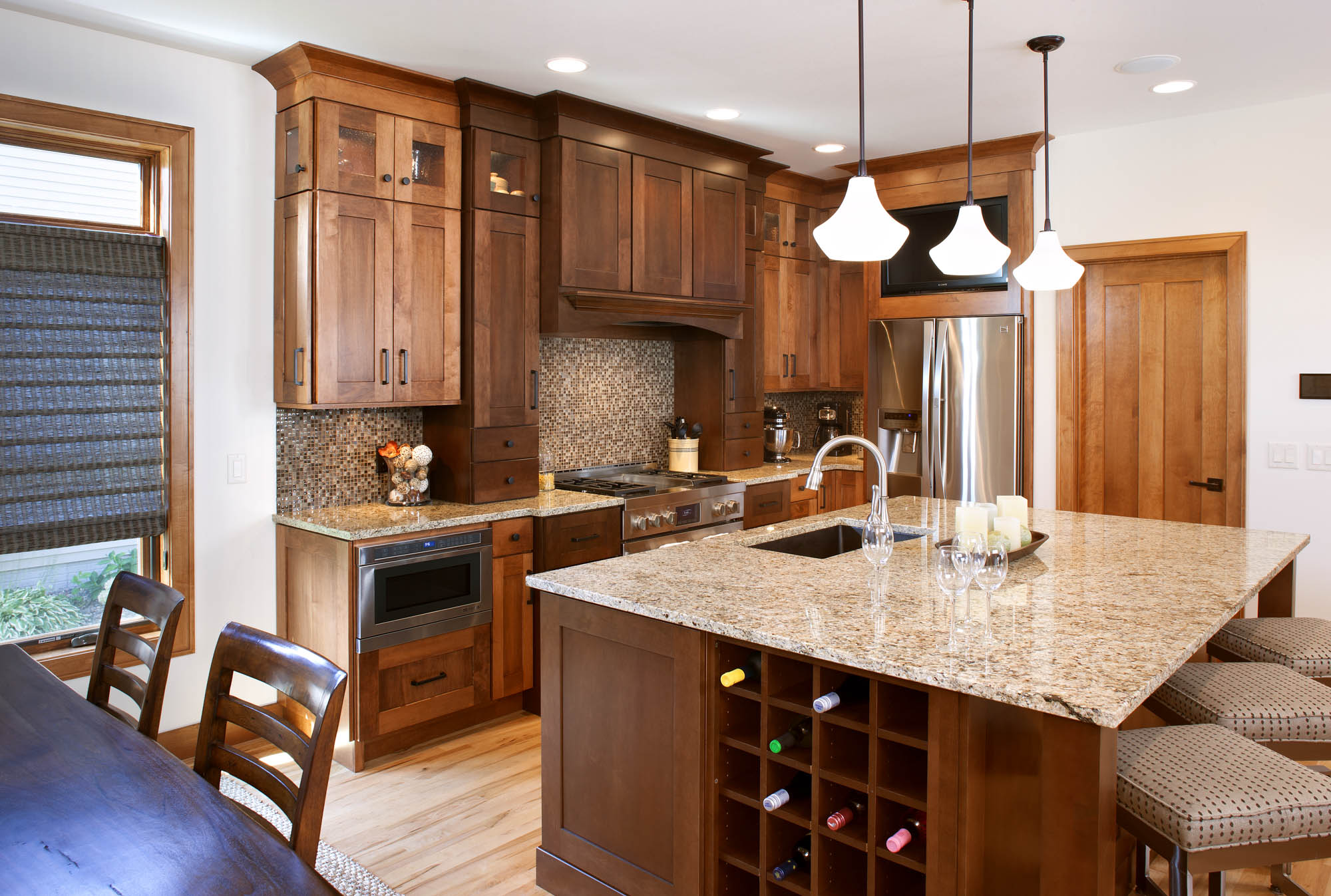 Stained kitchen cabinets in Harvest and Autumn by Showplace Cabinetry - view 2