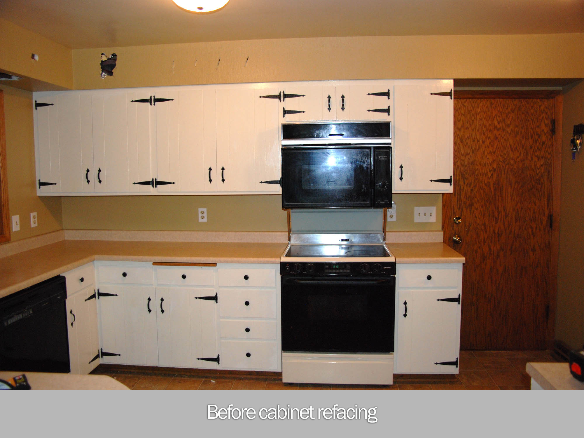 View The New Cabinets In This Refaced Kitchen