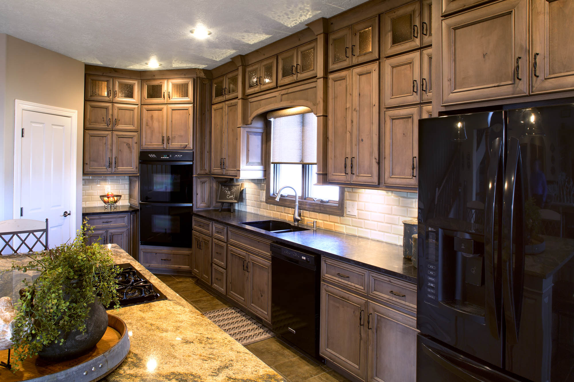 Renew | Stained kitchen cabinets in Rockport by Showplace Cabinetry - view 2