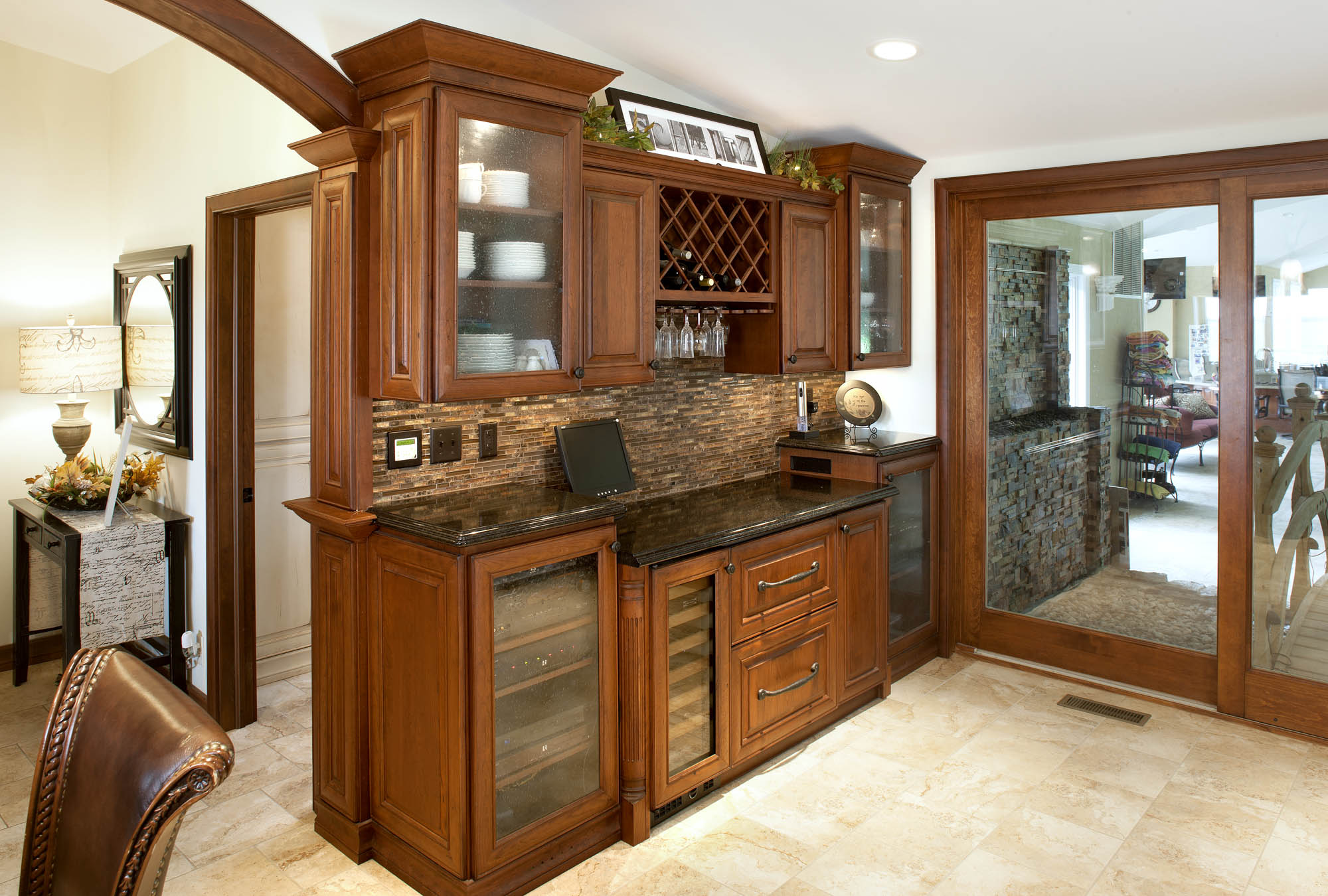 Stained kitchen wet bar in Vintage Autumn by Showplace Cabinetry