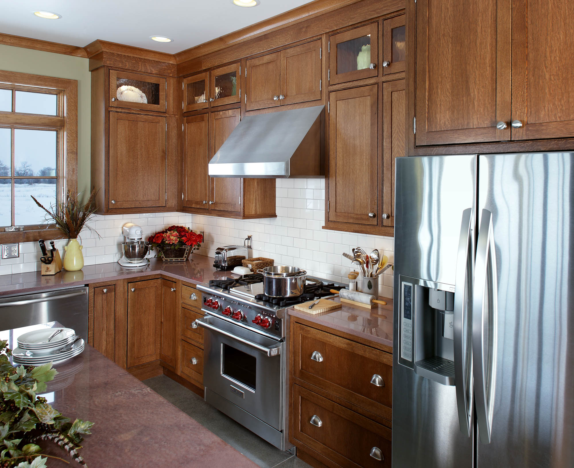 Stained kitchen cabinets in Truffle by Showplace Cabinetry - view 2