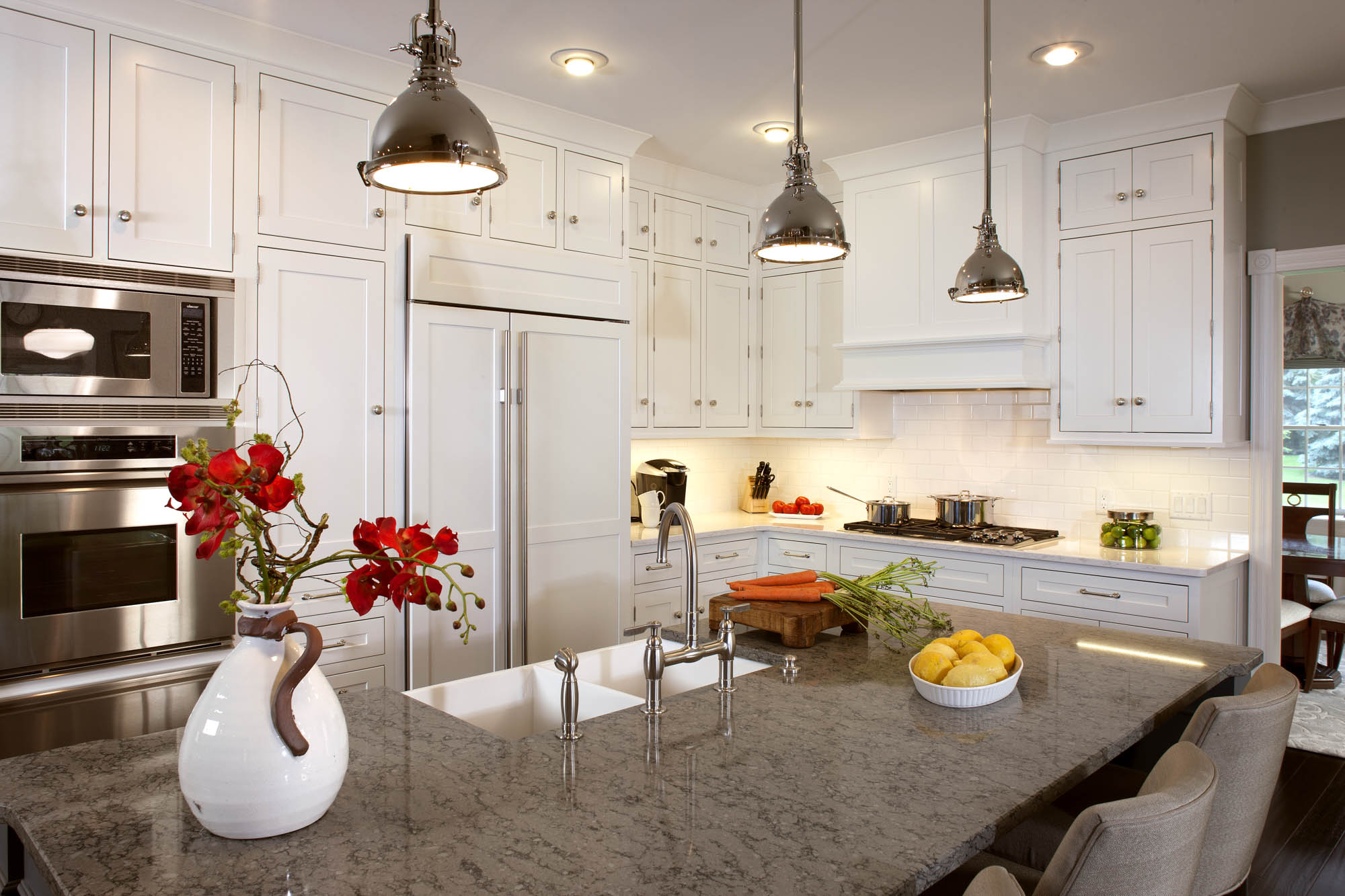 Painted kitchen cabinets in White by Showplace Cabinetry - view 2