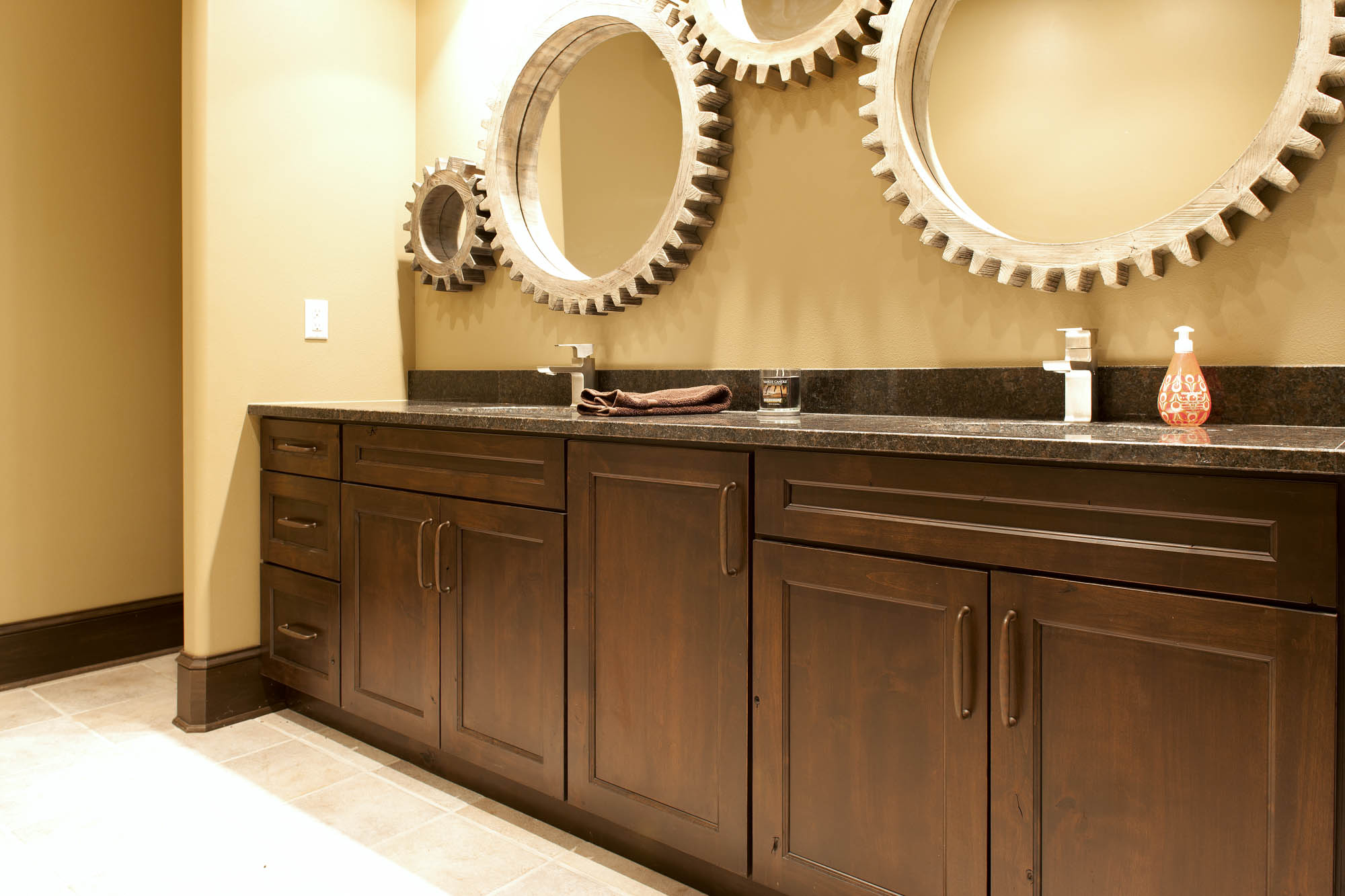 Stained guest bathroom 2 vanity in Distressed Coffee with Ebony Glaze by Showplace Cabinetry