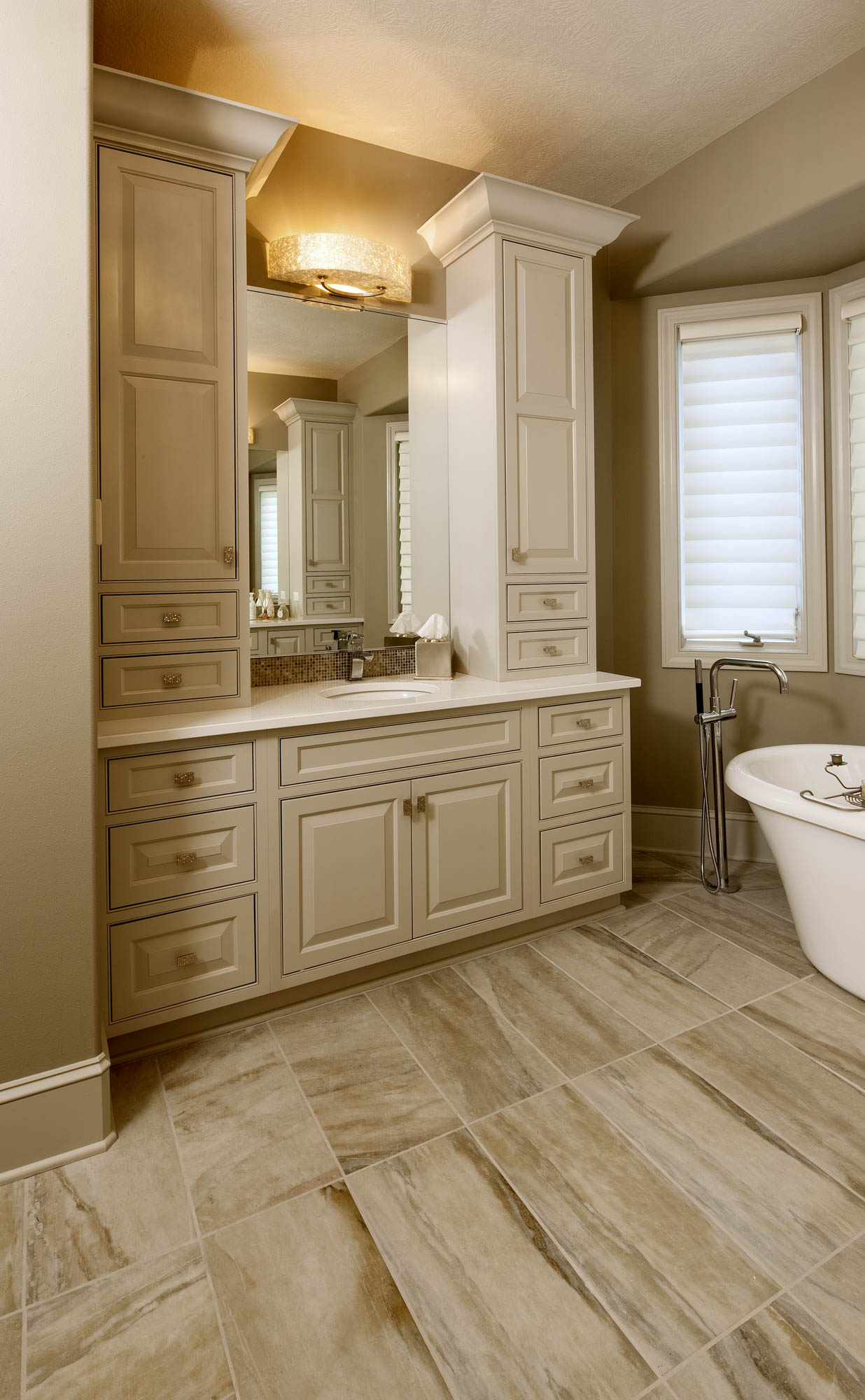 Painted master bathroom vanity in Oyster by Showplace Cabinetry - view 1