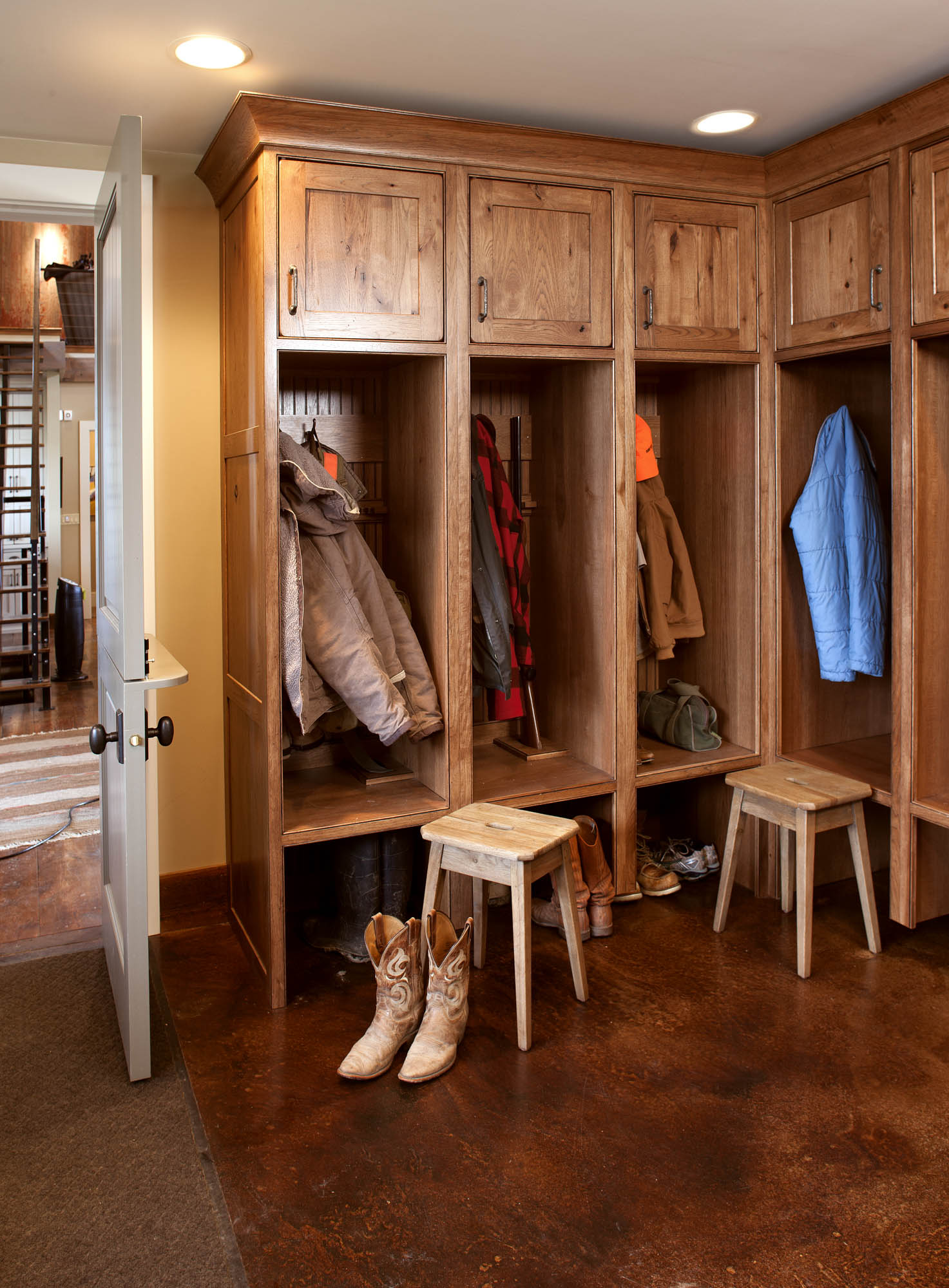 Stained mud room locker in Truffle with Ebony Glaze by Showplace Cabinetry - view 1