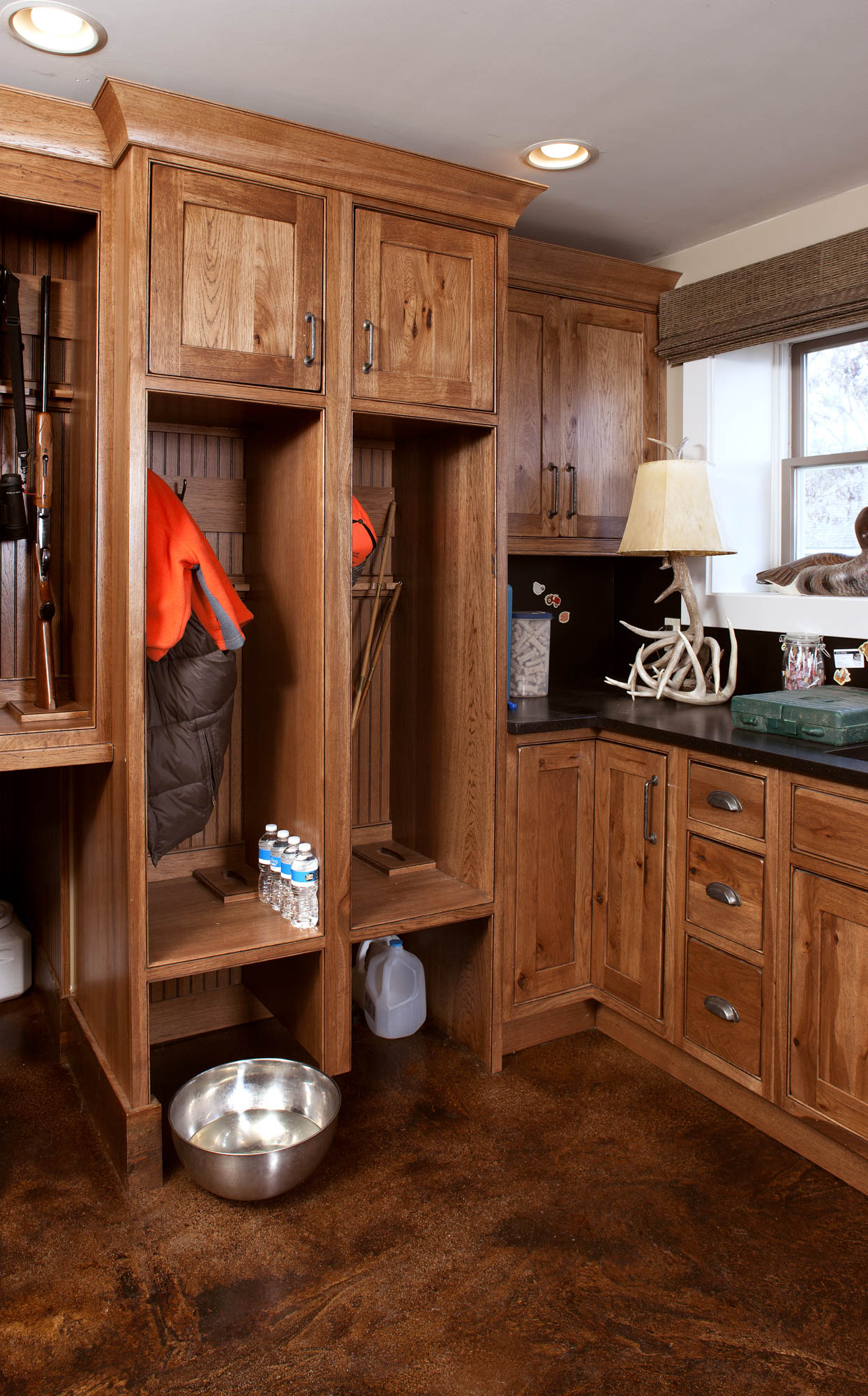 Stained mud room locker in Truffle with Ebony Glaze by Showplace Cabinetry - view 2