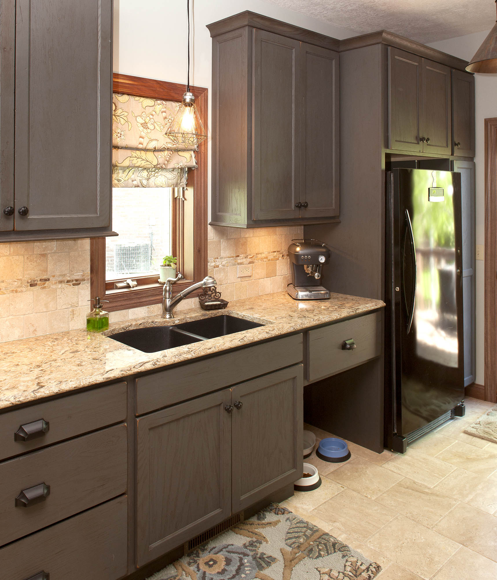 Painted laundry room coffee bar in Vintage Graphite by Showplace Cabinetry