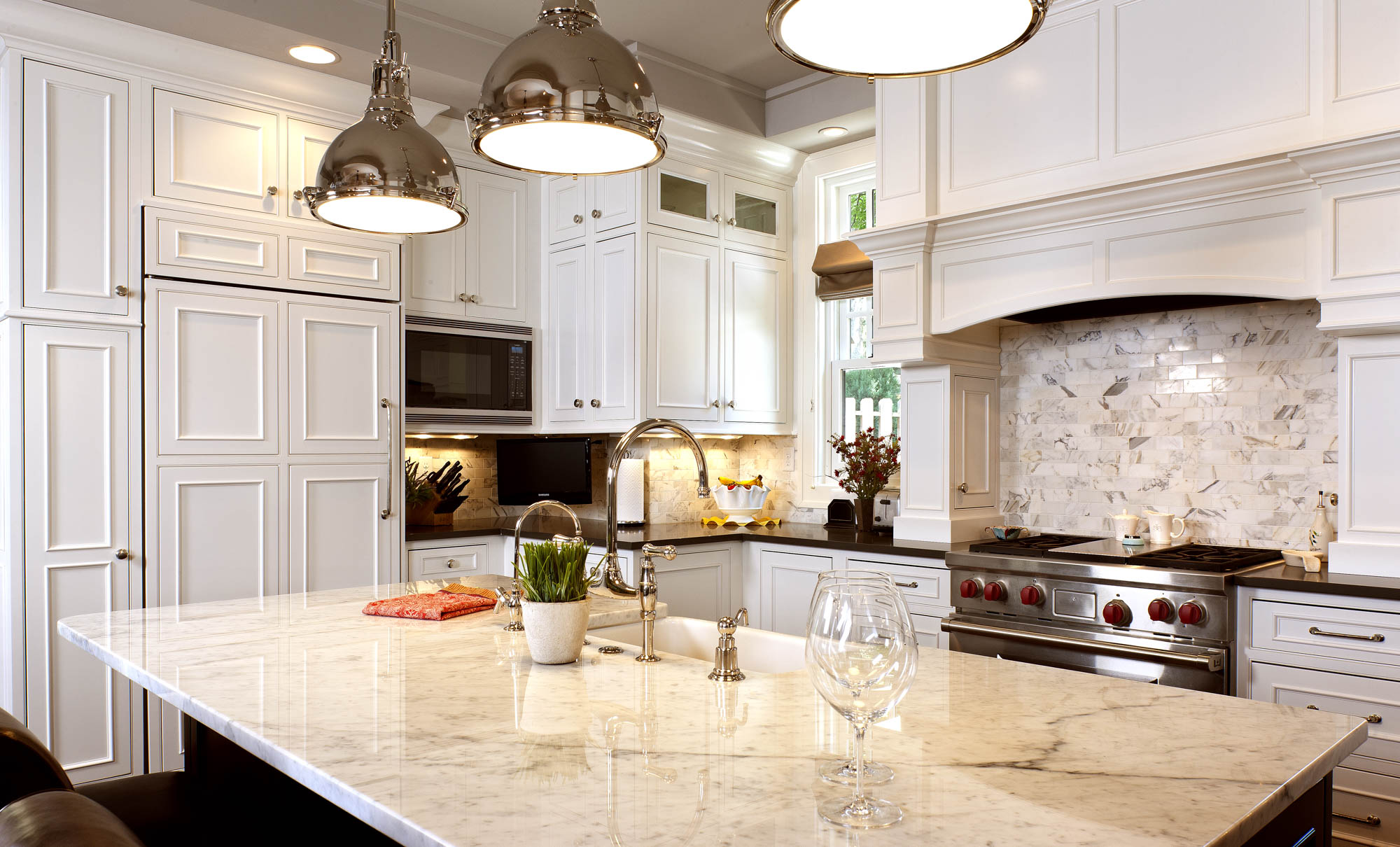 Painted Kitchen Cabinets In White By Showplace Cabinetry   View 3