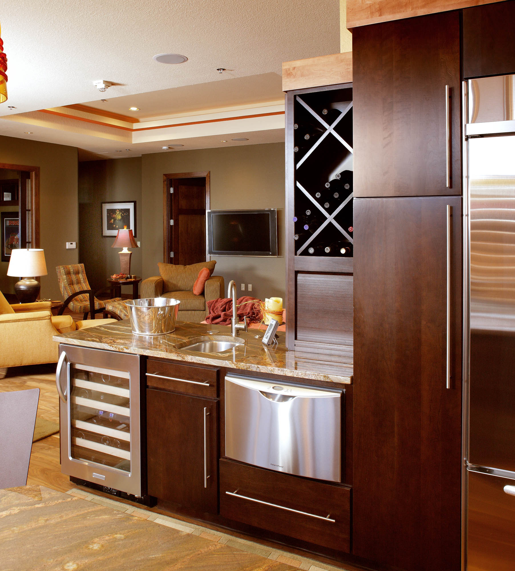 Stained kitchen peninsula in Coffee by Showplace Cabinetry