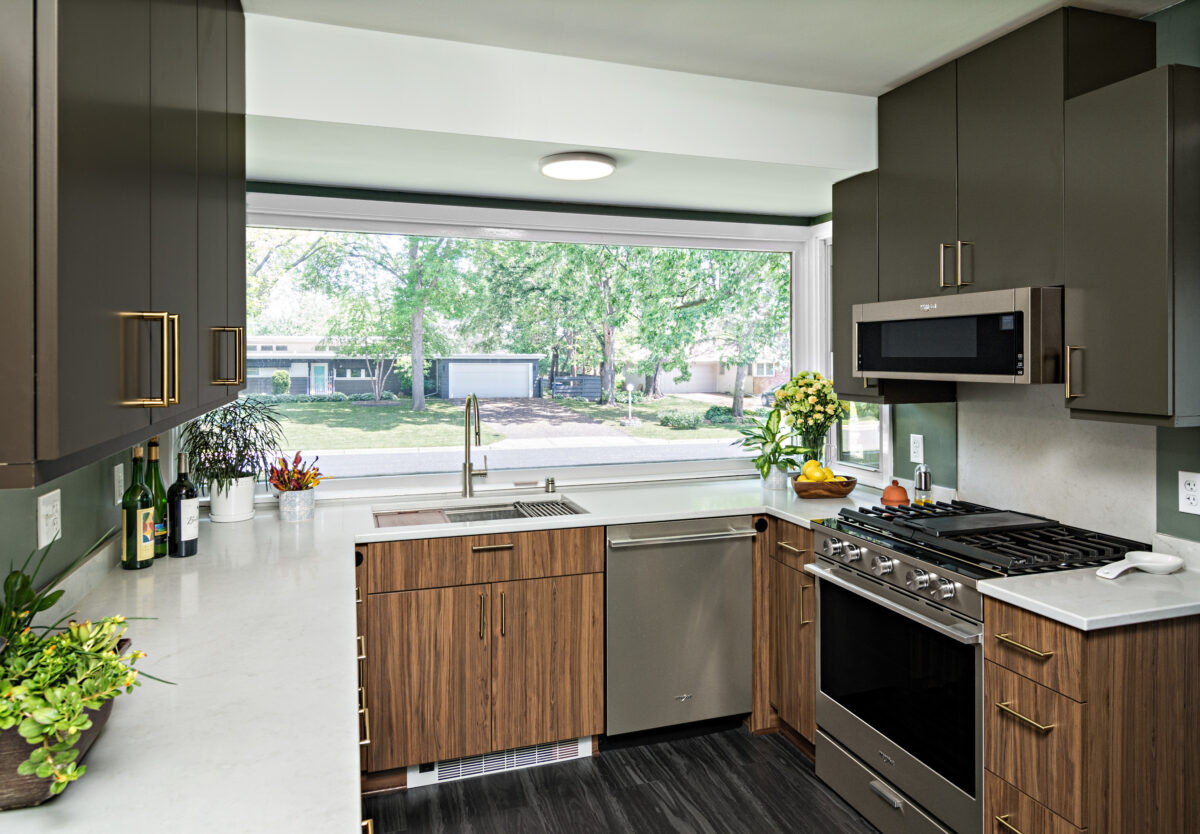 Best Small Kitchen First Place Showplace Cabinetry