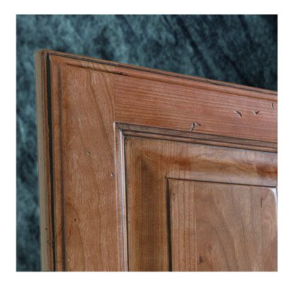 Bon Showplace Stained Cabinets Can Be Distressed To Fit Your Preference And May  Include Combinations Of Oversanding And Chain Denting.