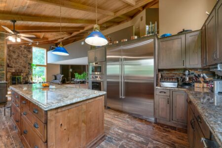 Kitchen Design - Traditional | Honorable Mention | Heartland Cabinet Supply | Showplace Cabinetry | view 2