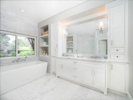 Bath Design - Transitional   Second Place Winner   Complete Kitchen & Bath   Showplace Cabinetry   view 3