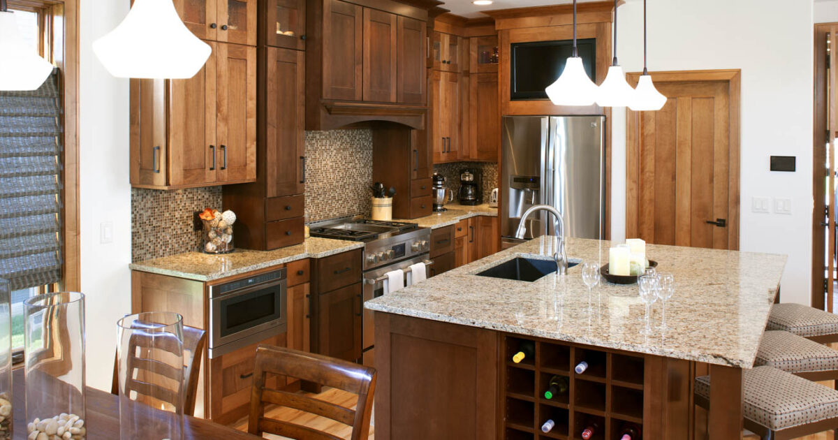 L Shaped Vs U Shaped Kitchens Showplace Cabinetry